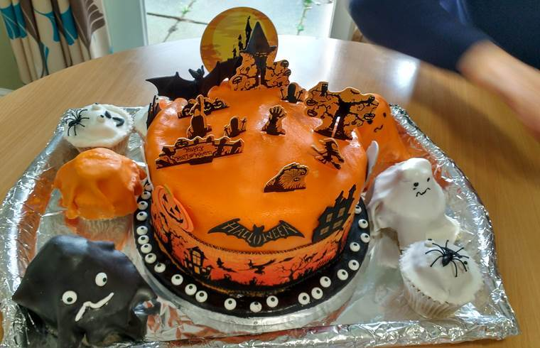 Cool A Haunted House Cake From Philips Court Akari Care High Personalised Birthday Cards Epsylily Jamesorg